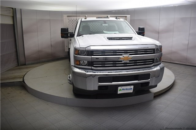2018 Silverado 3500 Regular Cab DRW 4x4, Knapheide PGNB Gooseneck Platform Body #C180965 - photo 4