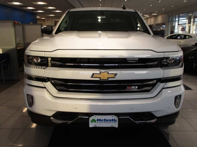 2018 Silverado 1500 Crew Cab 4x4,  Pickup #C181417 - photo 3