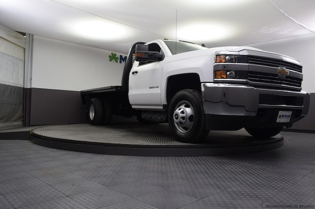 2018 Silverado 3500 Regular Cab DRW 4x4,  Knapheide Platform Body #C181740 - photo 23