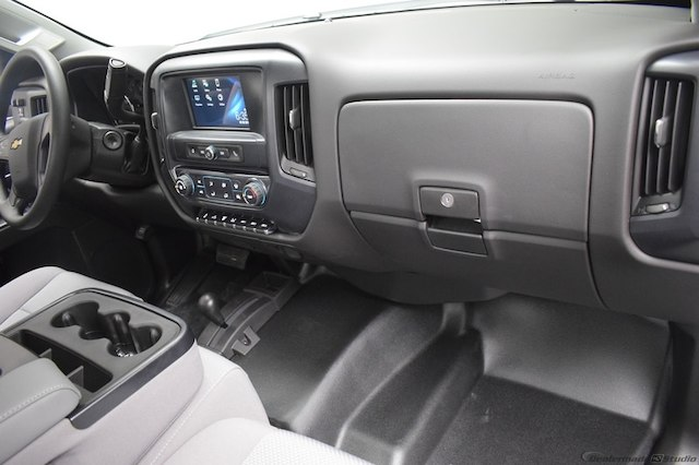 2018 Silverado 3500 Regular Cab DRW 4x4,  Knapheide Platform Body #C181740 - photo 9