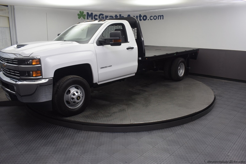 2018 Silverado 3500 Regular Cab DRW 4x4,  Knapheide PGNB Gooseneck Platform Body #C181740 - photo 4