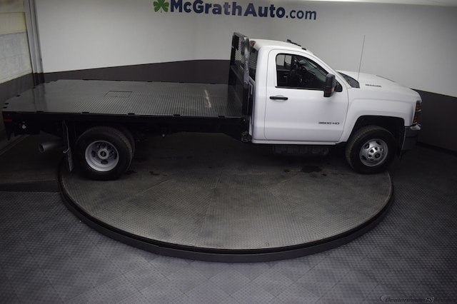 2018 Silverado 3500 Regular Cab DRW 4x4,  Knapheide Platform Body #C181743 - photo 2