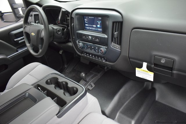 2018 Silverado 3500 Regular Cab DRW 4x4,  Knapheide Platform Body #C181743 - photo 4