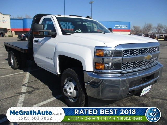 2019 Silverado 3500 Regular Cab DRW 4x4,  Platform Body #C190475 - photo 1