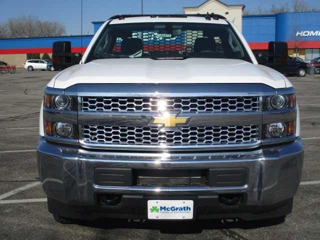 2019 Silverado 3500 Regular Cab DRW 4x4,  Platform Body #C190475 - photo 3