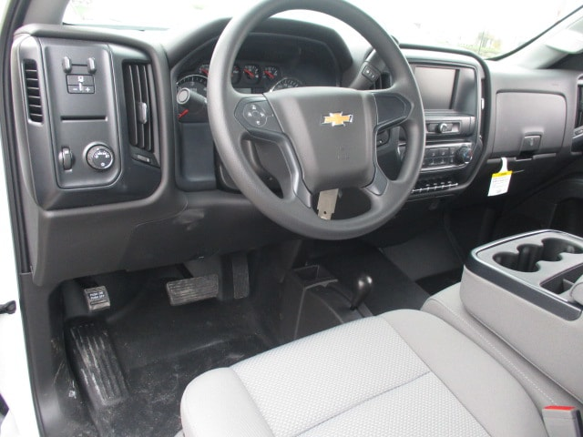 2019 Silverado 3500 Regular Cab DRW 4x4,  Knapheide Platform Body #C190487 - photo 5