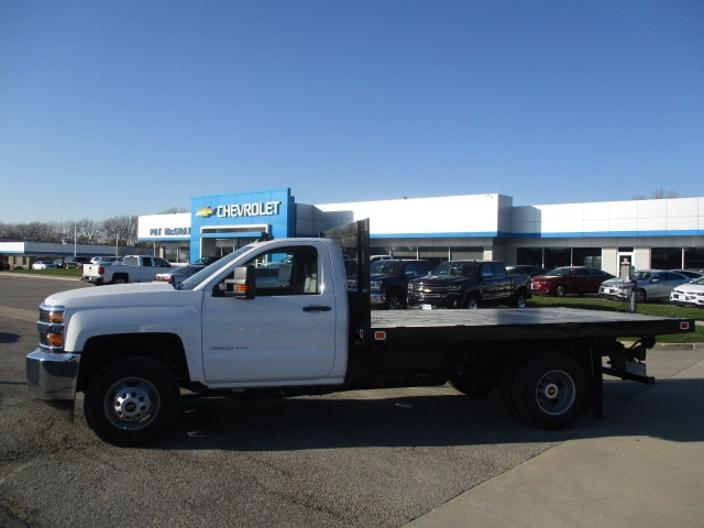 2019 Silverado 3500 Regular Cab DRW 4x4,  Knapheide Platform Body #C190507 - photo 6