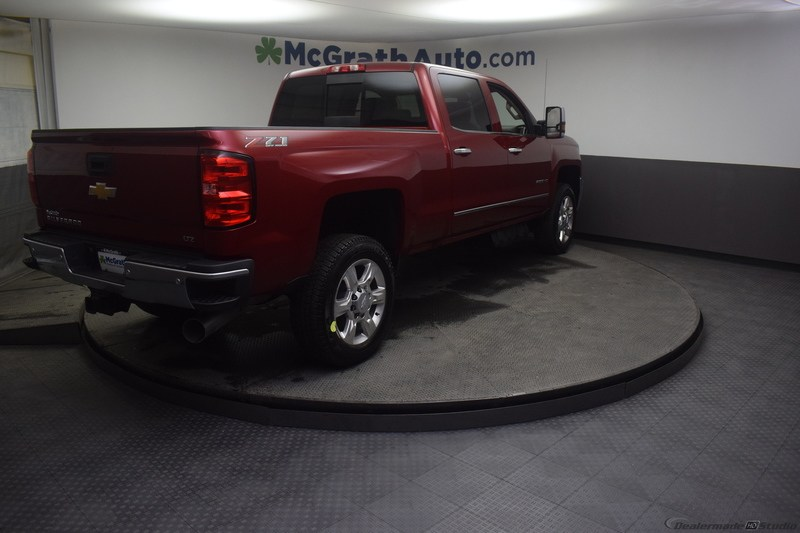 2019 Silverado 2500 Crew Cab 4x4,  Pickup #C190609 - photo 2
