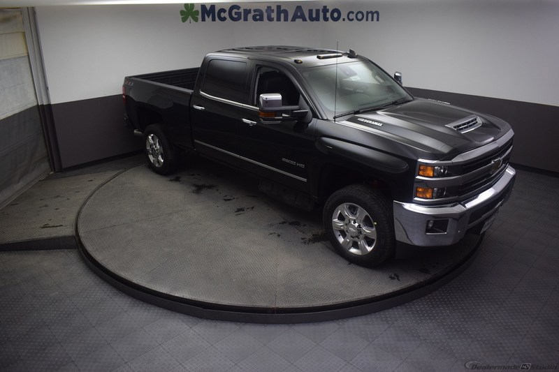 2019 Silverado 2500 Crew Cab 4x4,  Pickup #C190615 - photo 3