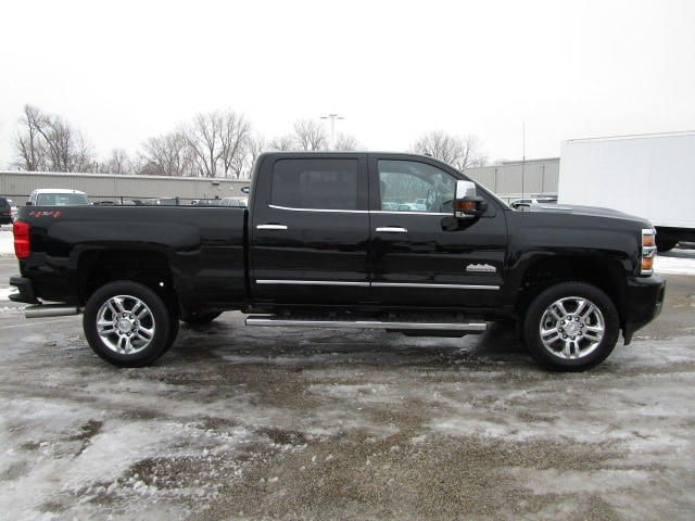 2019 Silverado 2500 Crew Cab 4x4,  Pickup #C190698 - photo 10