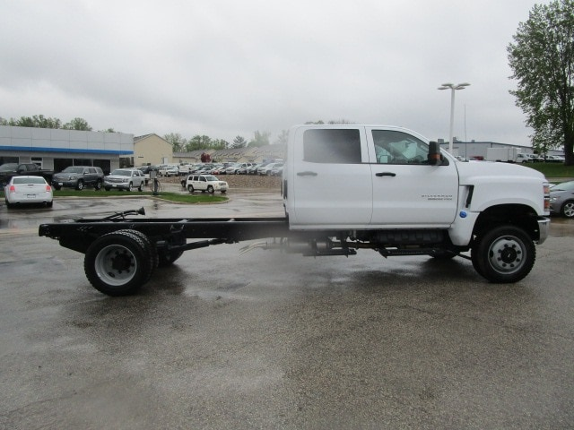 2019 Silverado Medium Duty DRW 4x4,  Cab Chassis #C191244 - photo 10
