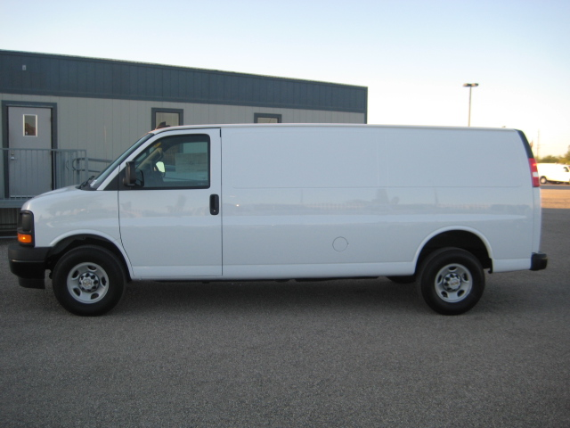 2017 Express 3500, Cargo Van #1125089 - photo 4