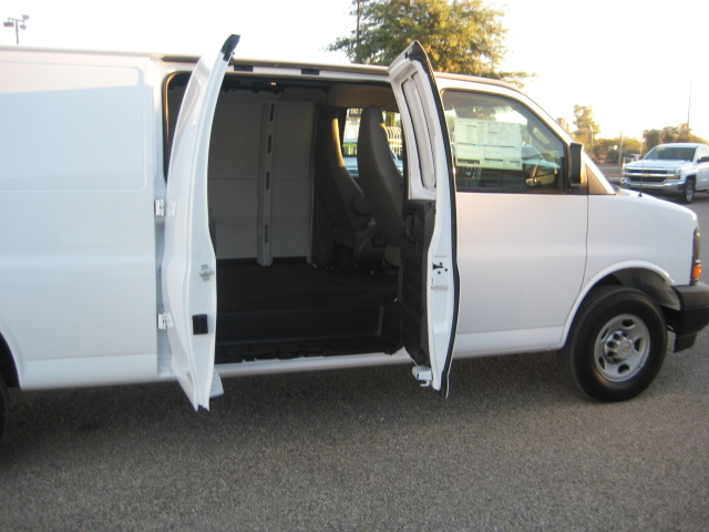 2017 Express 3500, Cargo Van #1125089 - photo 5