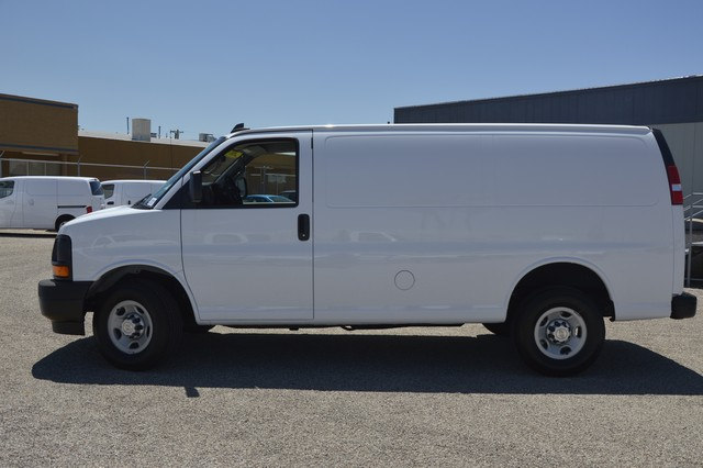 2017 Express 2500 Cargo Van #1309495 - photo 3
