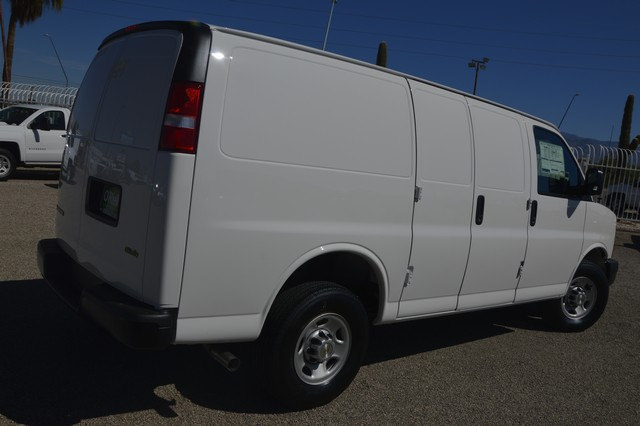 2017 Express 2500 Cargo Van #1324045 - photo 4