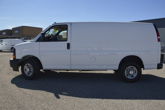2017 Express 2500 Cargo Van #1328452 - photo 3