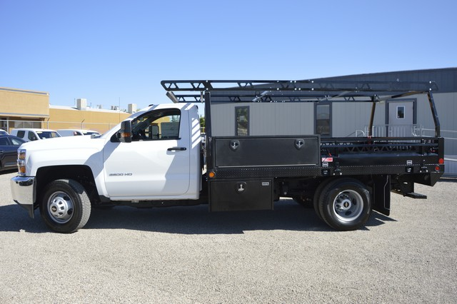 2017 Silverado 3500 Regular Cab DRW, Freedom Contractor Body #F138835 - photo 3