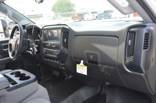 2018 Silverado 3500 Regular Cab DRW 4x2,  Royal Service Body #F239311 - photo 7