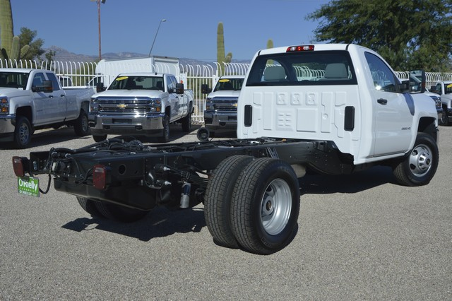 2016 Silverado 3500 Regular Cab, Cab Chassis #F291629 - photo 2