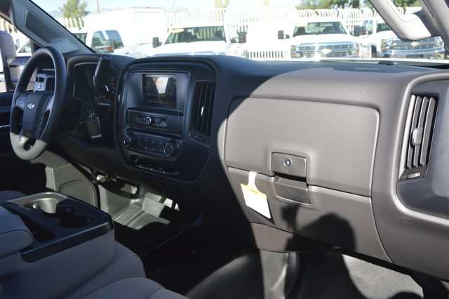 2016 Silverado 3500 Regular Cab, Cab Chassis #F291629 - photo 6