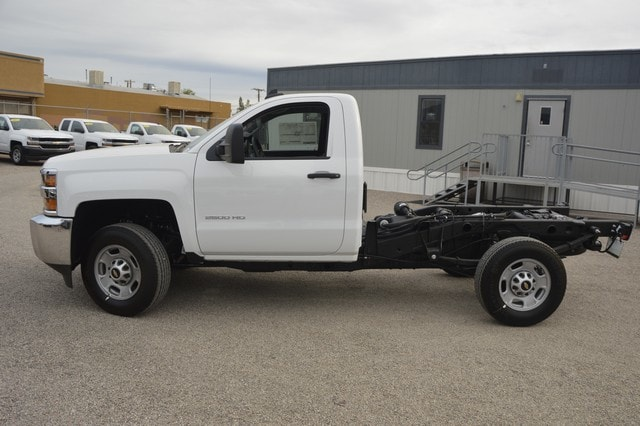 2018 Silverado 2500 Regular Cab Cab Chassis #Z143141 - photo 3