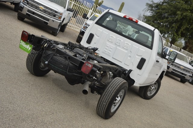 2018 Silverado 2500 Regular Cab Cab Chassis #Z143141 - photo 2