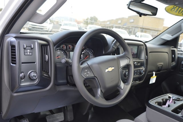 2018 Silverado 2500 Regular Cab Cab Chassis #Z143141 - photo 5