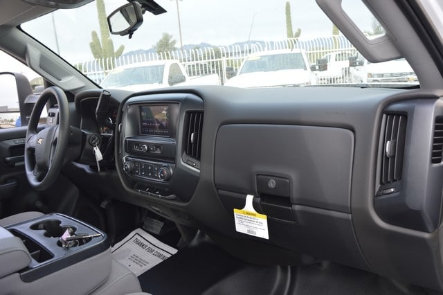 2018 Silverado 2500 Regular Cab Cab Chassis #Z143141 - photo 6