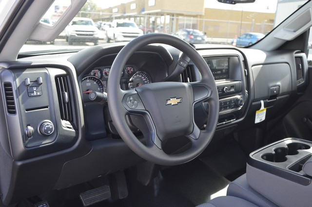 2017 Silverado 2500 Regular Cab, Royal Service Body #Z223306 - photo 4