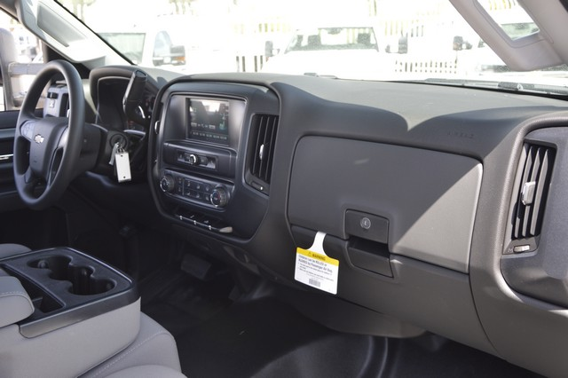 2017 Silverado 2500 Regular Cab, Royal Service Body #Z225338 - photo 9