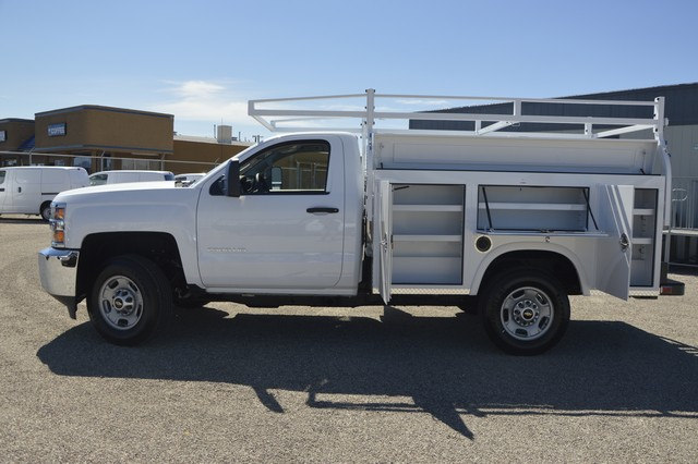 2017 Silverado 2500 Regular Cab, Royal Service Body #Z249462 - photo 3
