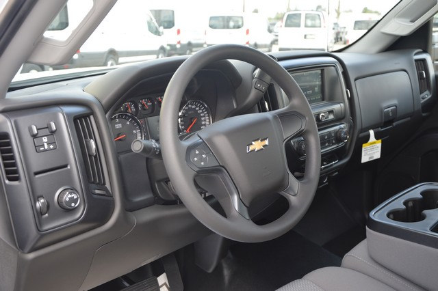 2017 Silverado 2500 Regular Cab, Cab Chassis #Z385498 - photo 5