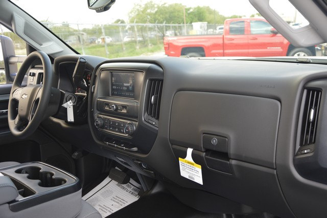 2017 Silverado 2500 Regular Cab, Cab Chassis #Z385498 - photo 6