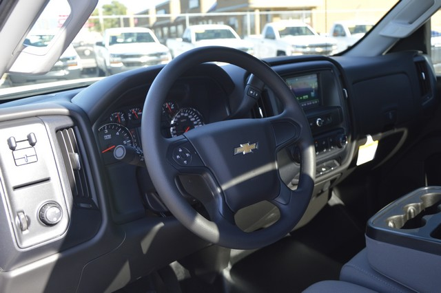 2016 Silverado 2500 Regular Cab, Cab Chassis #Z410096 - photo 6