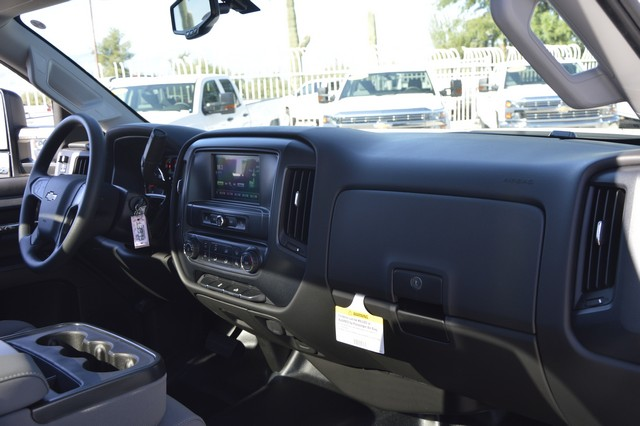 2016 Silverado 2500 Regular Cab, Cab Chassis #Z410096 - photo 7