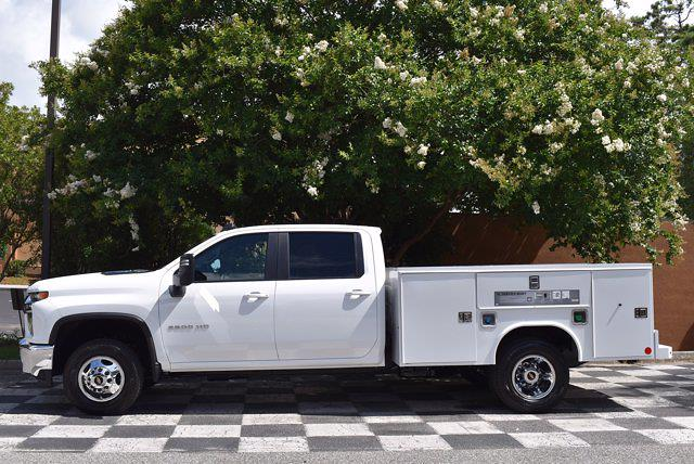 2021 Chevrolet Silverado 3500 Crew Cab AWD, Cab Chassis #DCM11028 - photo 8