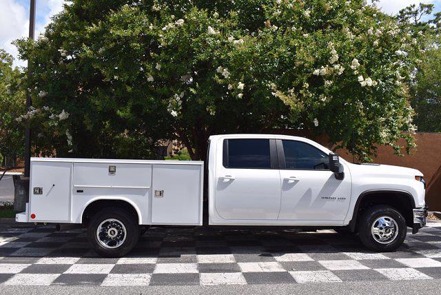 2021 Chevrolet Silverado 3500 Crew Cab AWD, Cab Chassis #DCM11028 - photo 9