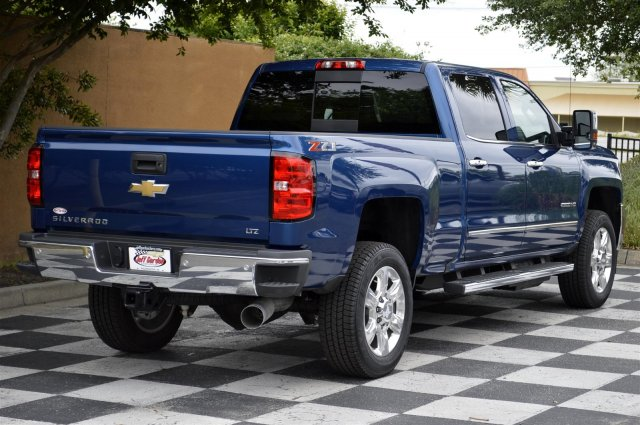 2018 Silverado 2500 Crew Cab 4x4, Pickup #DT1977 - photo 2
