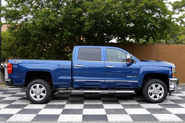 2018 Silverado 2500 Crew Cab 4x4, Pickup #DT1977 - photo 8