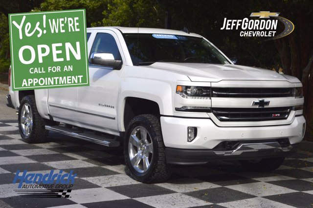 2017 Chevrolet Silverado 1500 Crew Cab 4x4, Pickup #L10239A - photo 1