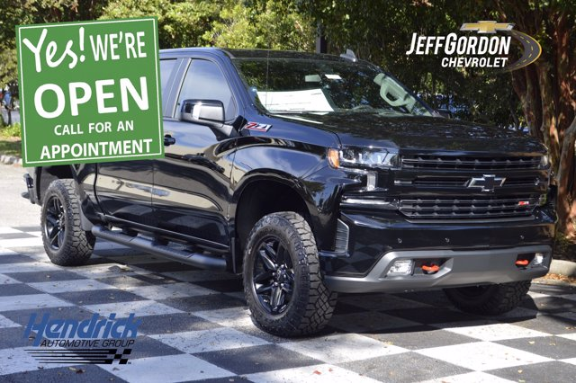 2020 Chevrolet Silverado 1500 Crew Cab 4x4, Pickup #L10255 - photo 1
