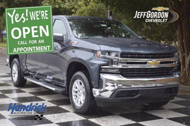 2020 Chevrolet Silverado 1500 Crew Cab 4x4, Pickup #L10295 - photo 1