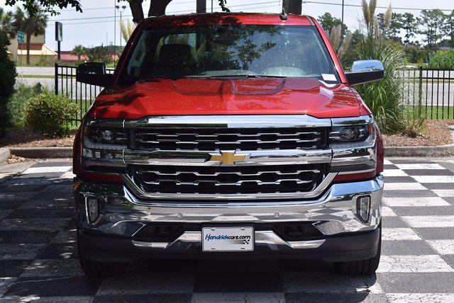 2018 Chevrolet Silverado 1500 Crew Cab 4x4, Pickup #M11000A - photo 4