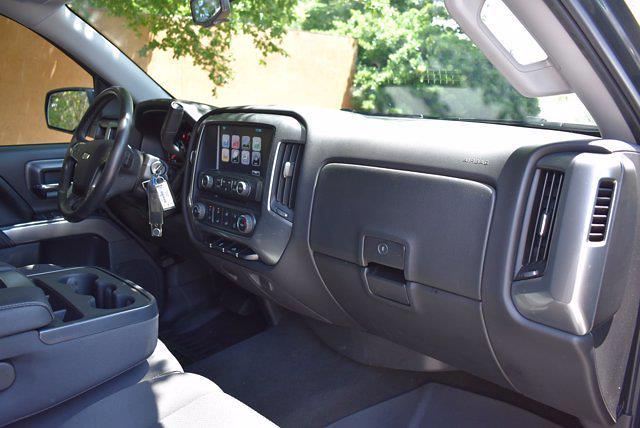 2017 Chevrolet Silverado 1500 Crew Cab 4x4, Pickup #M11004A - photo 26