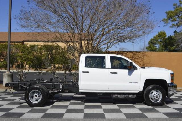 2017 Silverado 3500 Crew Cab 4x4, Cab Chassis #MS1757 - photo 8