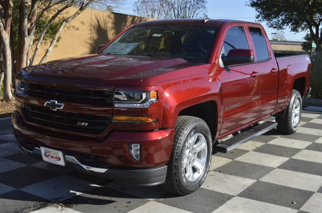 2017 Silverado 1500 Double Cab 4x4, Pickup #S1528 - photo 3