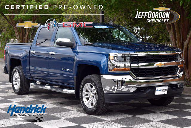 2018 Chevrolet Silverado 1500 Crew Cab 4x4, Pickup #SA29500 - photo 1