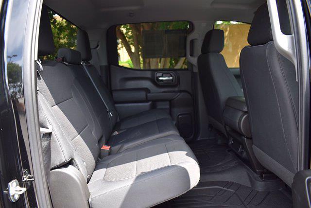 2019 Chevrolet Silverado 1500 Crew Cab 4x4, Pickup #SA29632 - photo 32