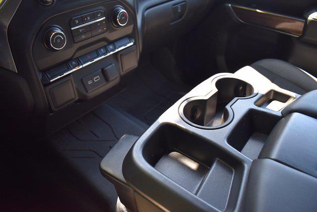 2020 Chevrolet Silverado 1500 Crew Cab 4x4, Pickup #SA29680 - photo 25