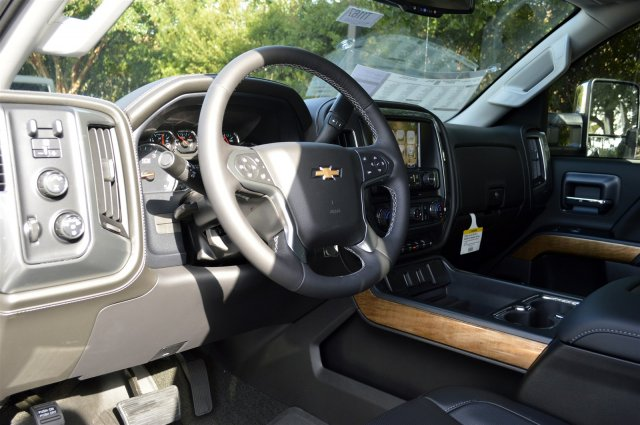 2018 Silverado 3500 Crew Cab 4x4, Pickup #T1167 - photo 10